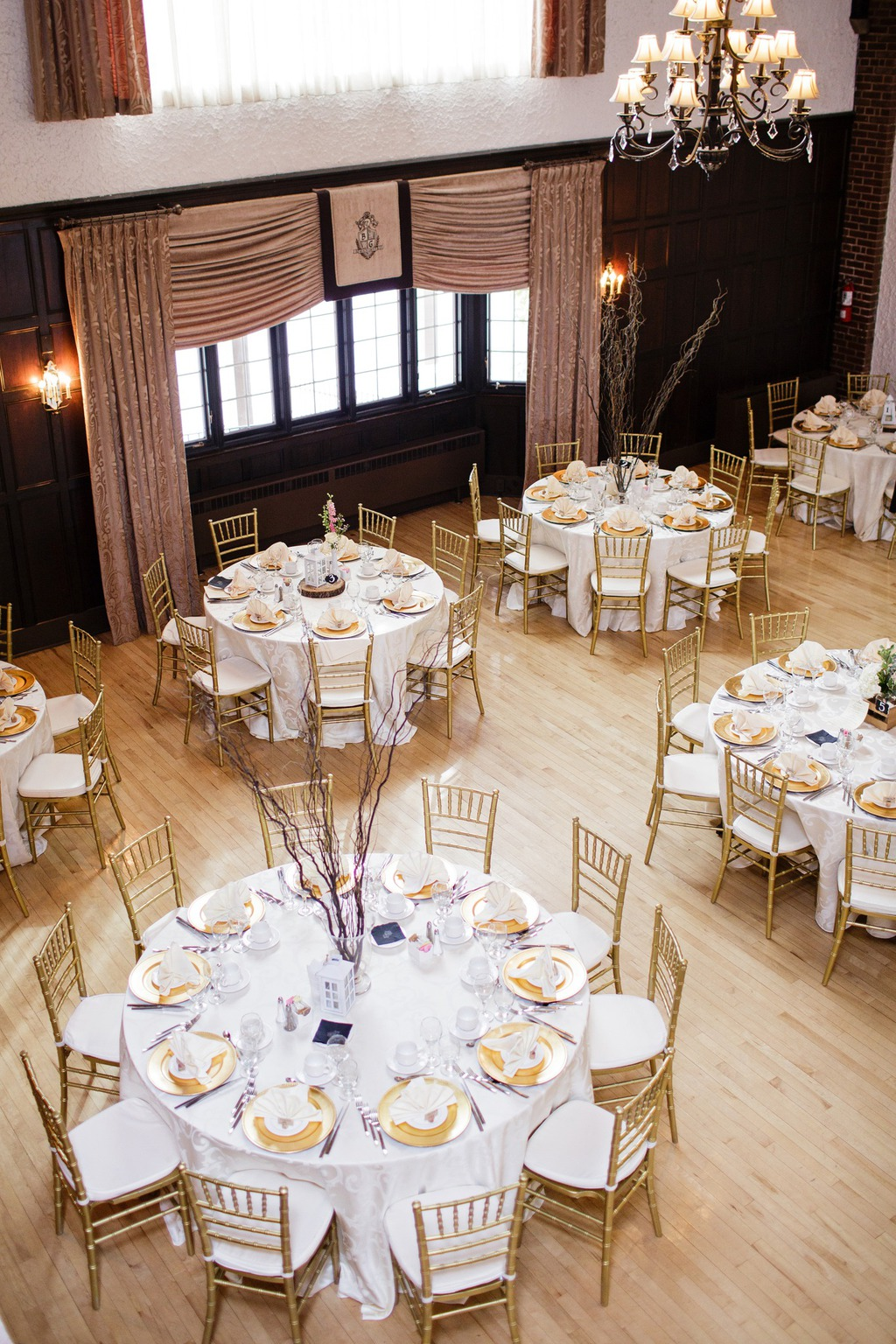 White & Gold themed wedding reception