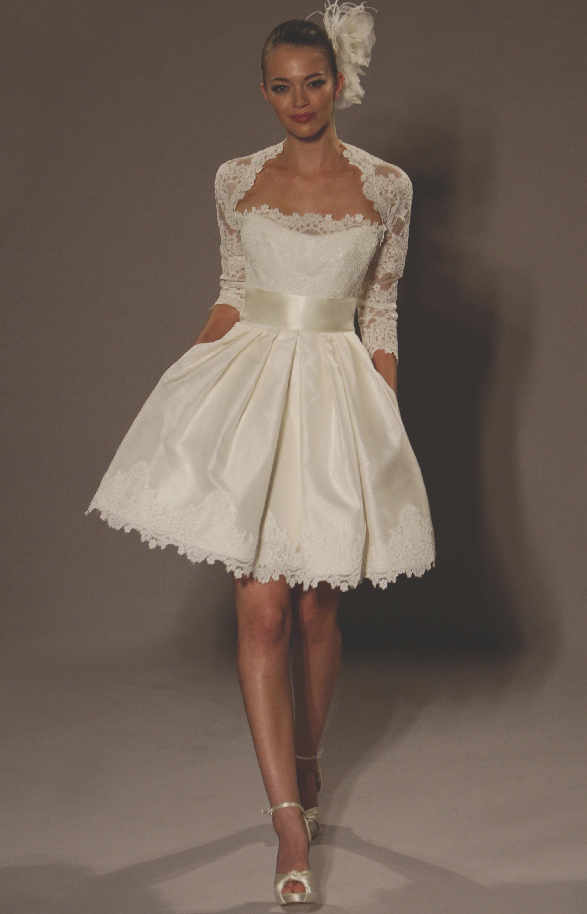 Короткие свадебные платья в СПб: самый большой выбор классических и нестандартных вариантов. Короткие платья на самый взыскательный вкус от