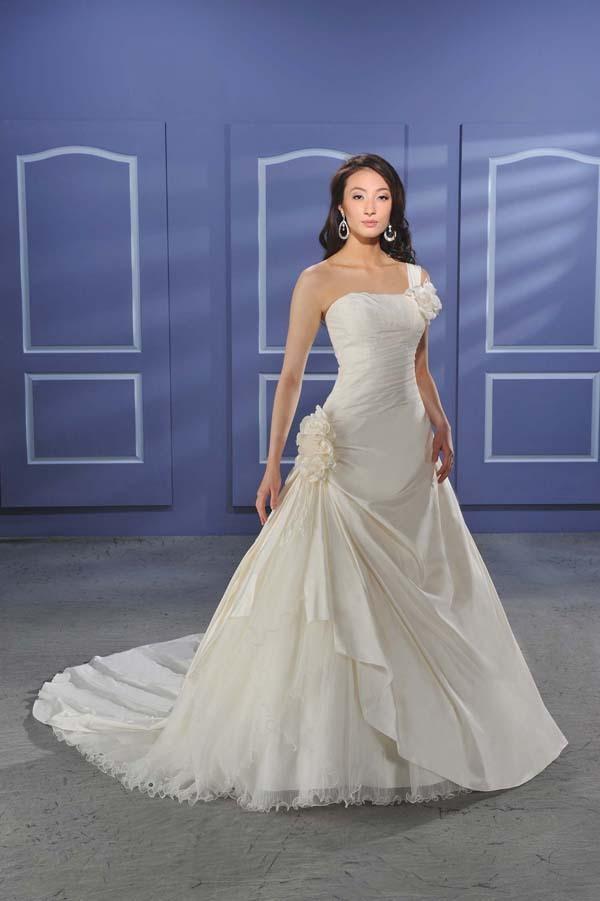 Bonny-bridal-wedding-dress-017.full