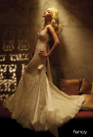 Amy-michelson-fancy-wedding-dress.full