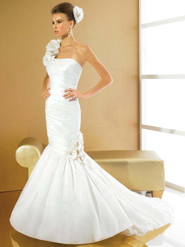 Val-stefani-wedding-dresses-d7973.full