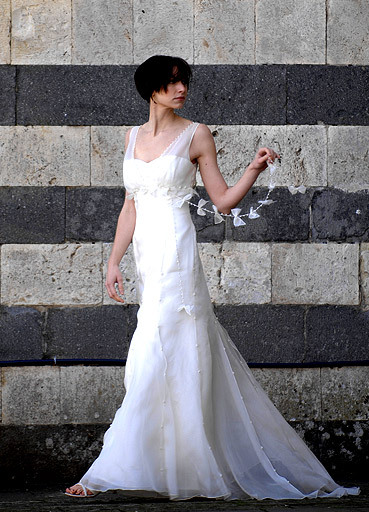 Alice-padrul-wedding-dress-pearl.full