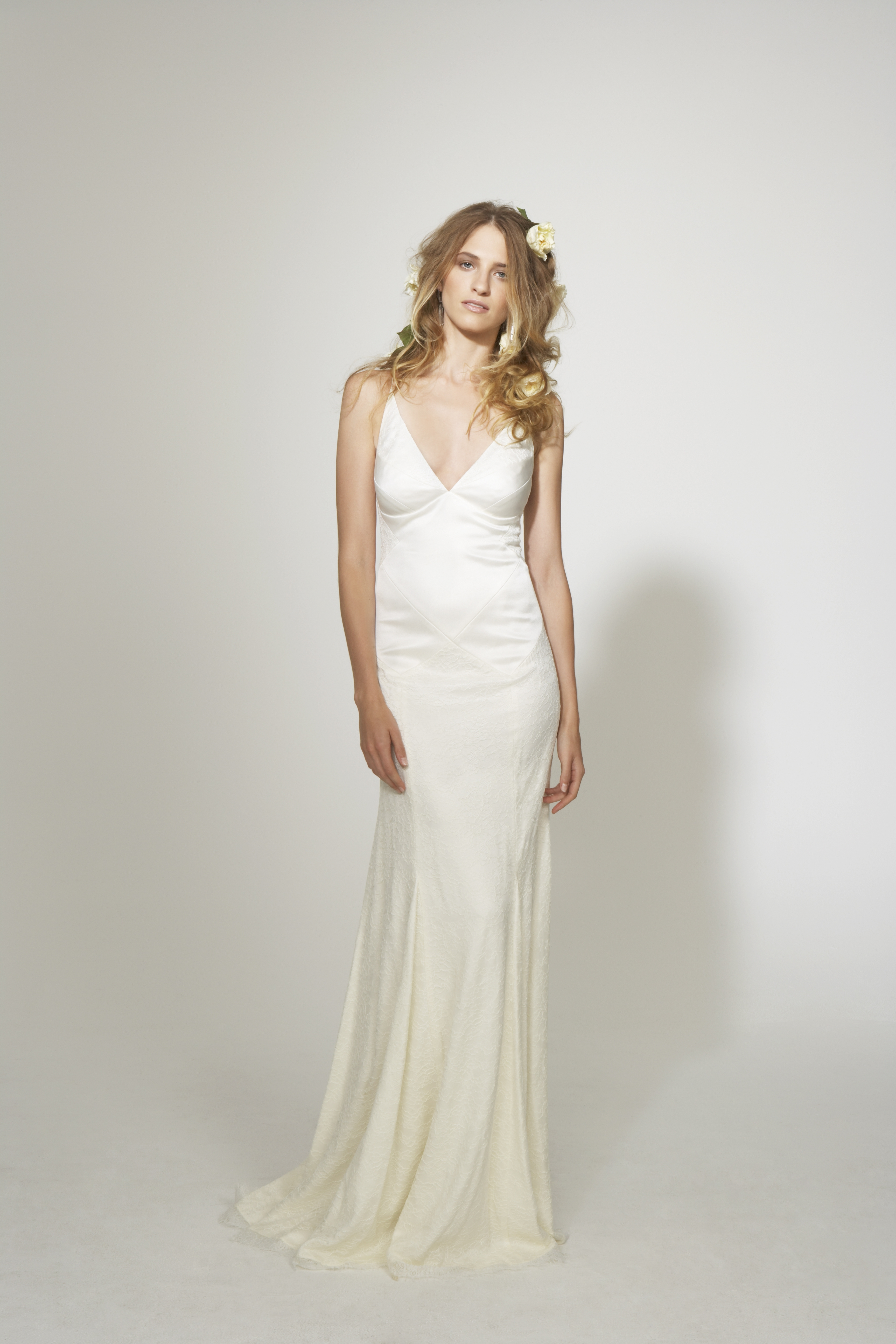 Nicole-miller-simple-sleek-v-neck-white-wedding-dress.original