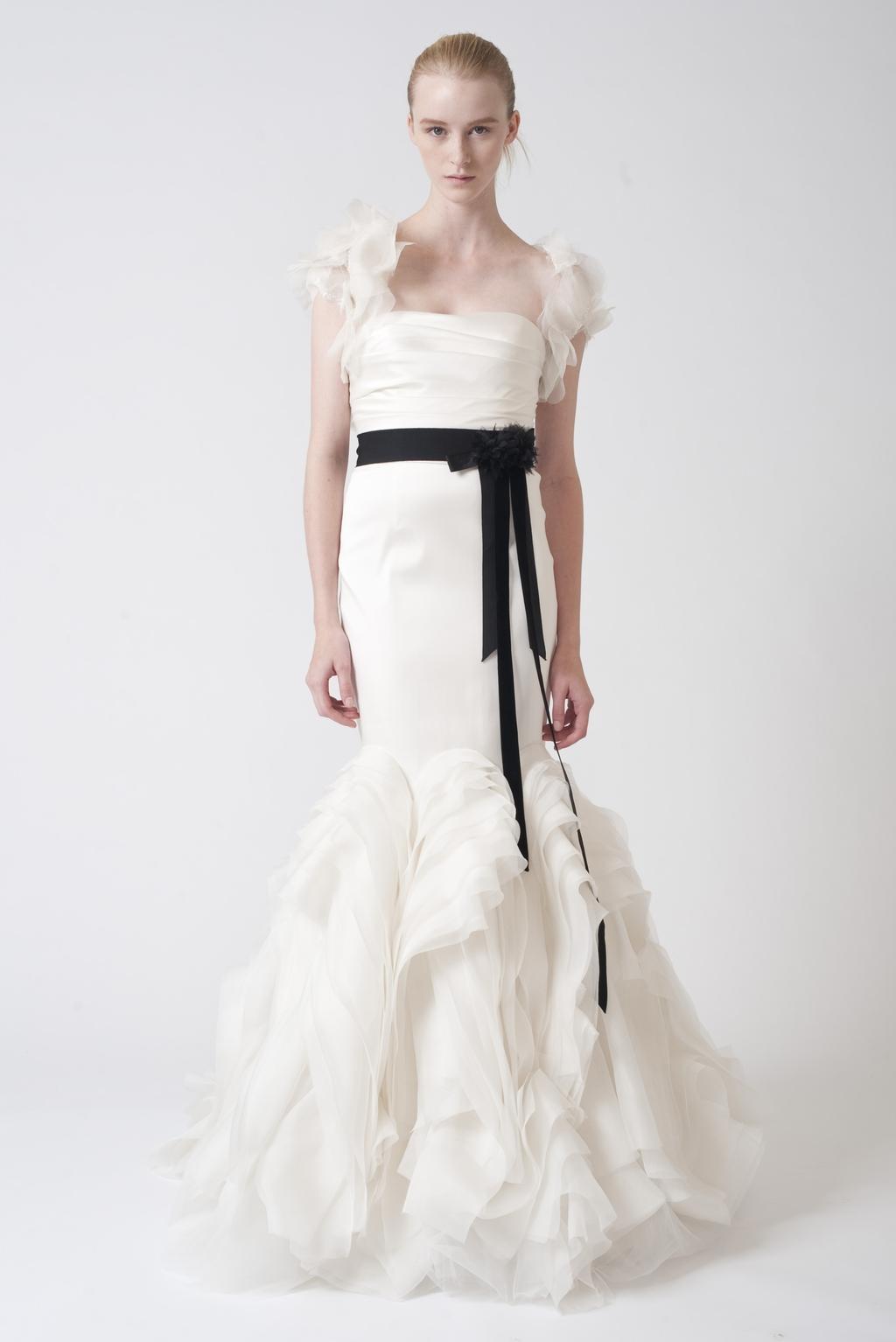 Vera-wang-wedding-dresses-fall-2010-13.full