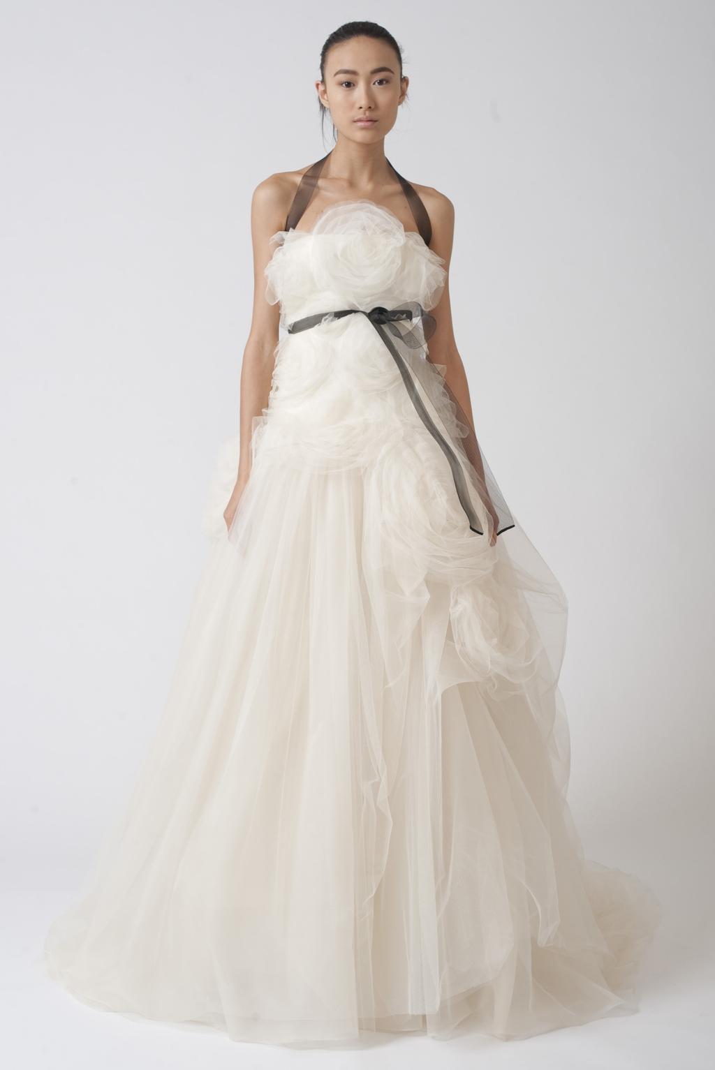 Vera-wang-wedding-dresses-fall-2010-10.full