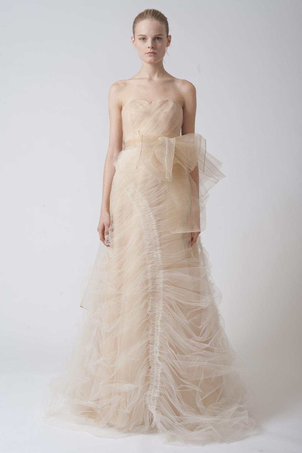 Vera-wang-wedding-dresses-fall-2010-9.full