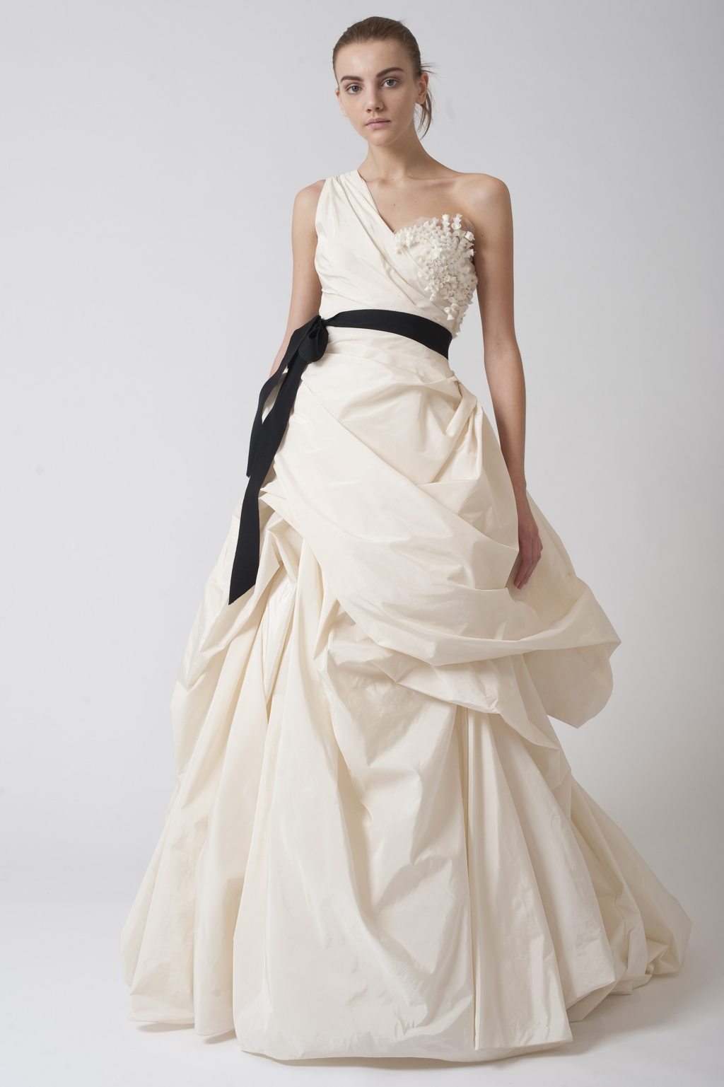 Vera-wang-wedding-dresses-fall-2010-7.full