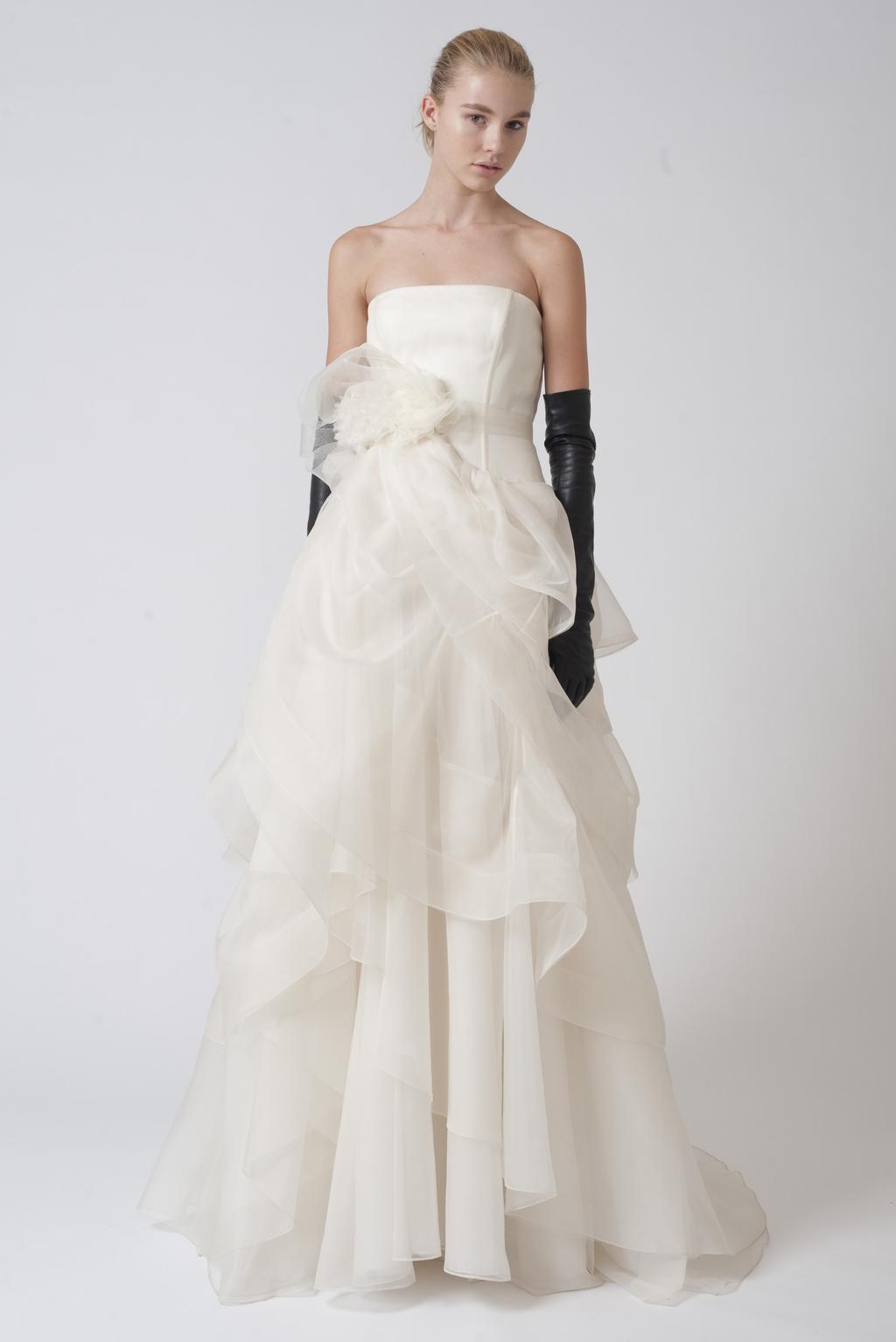 Vera-wang-wedding-dresses-fall-2010-3.full