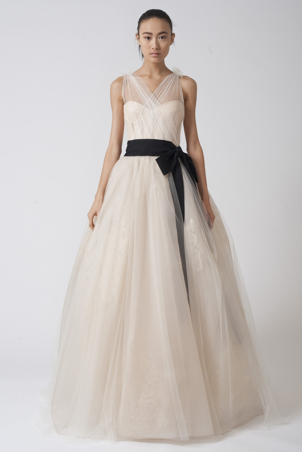 Vera-wang-wedding-dresses-fall-2010-2.full