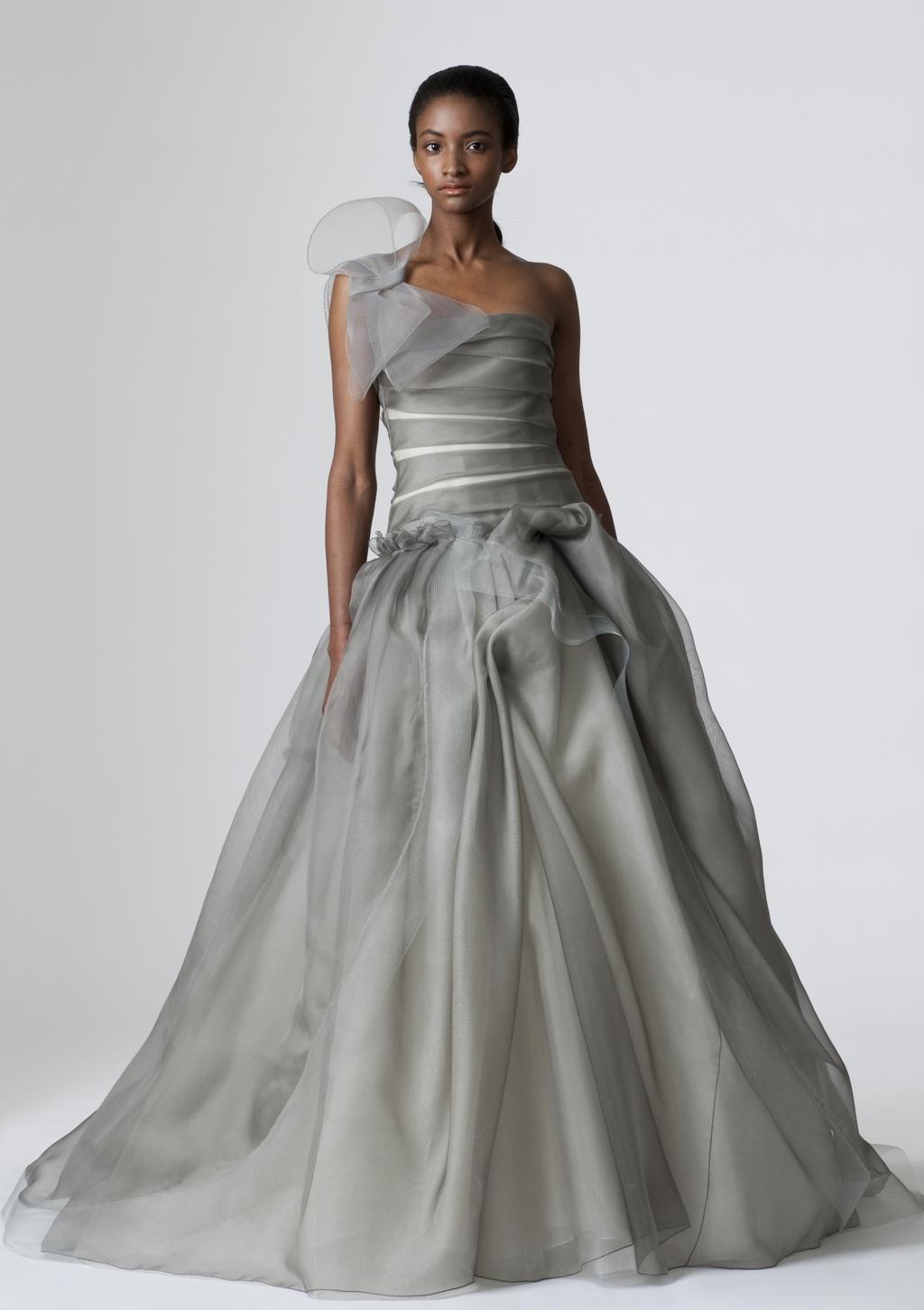 Vera-wang-wedding-dresses-spring-2010-10.full