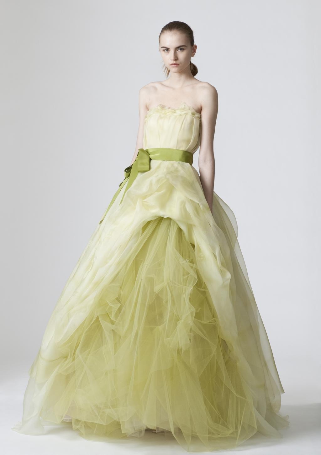 Vera-wang-wedding-dresses-spring-2010-9.full