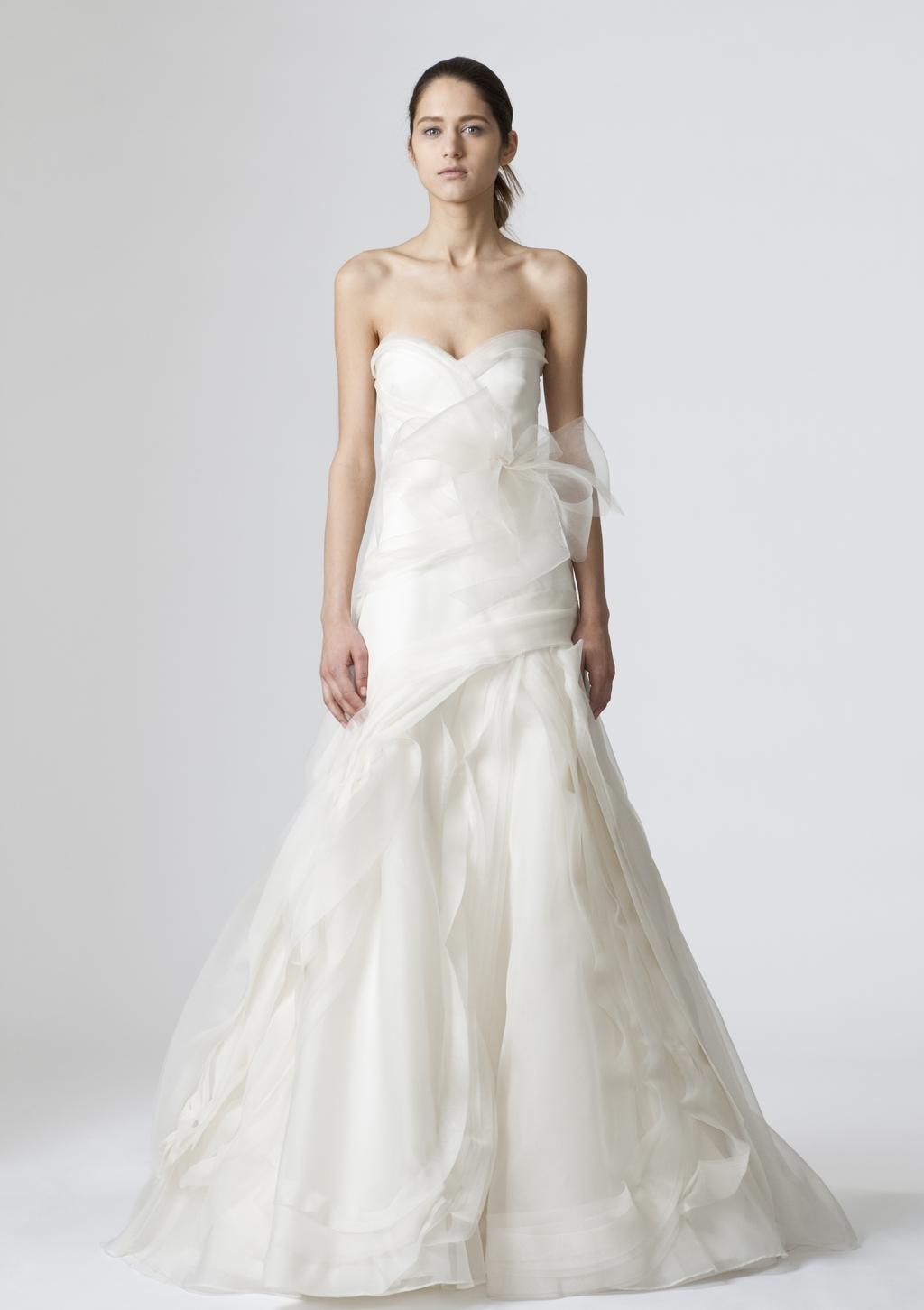Vera-wang-wedding-dresses-spring-2010-8.full