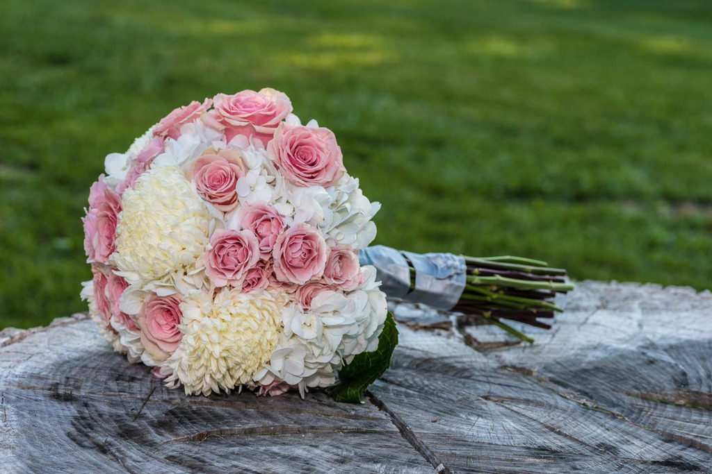 lovely wedding bouquet. Black Bedroom Furniture Sets. Home Design Ideas