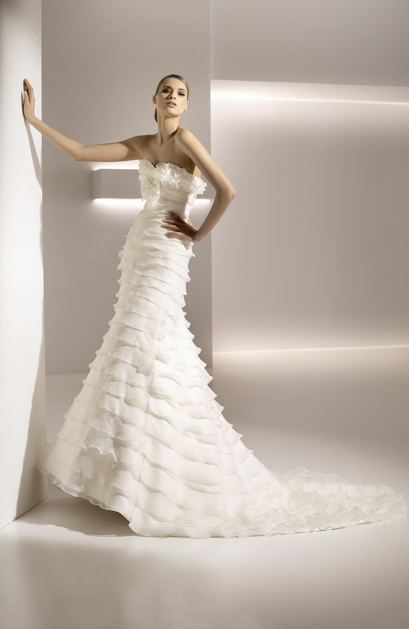 Galatea-strapless-white-wedding-dress.full