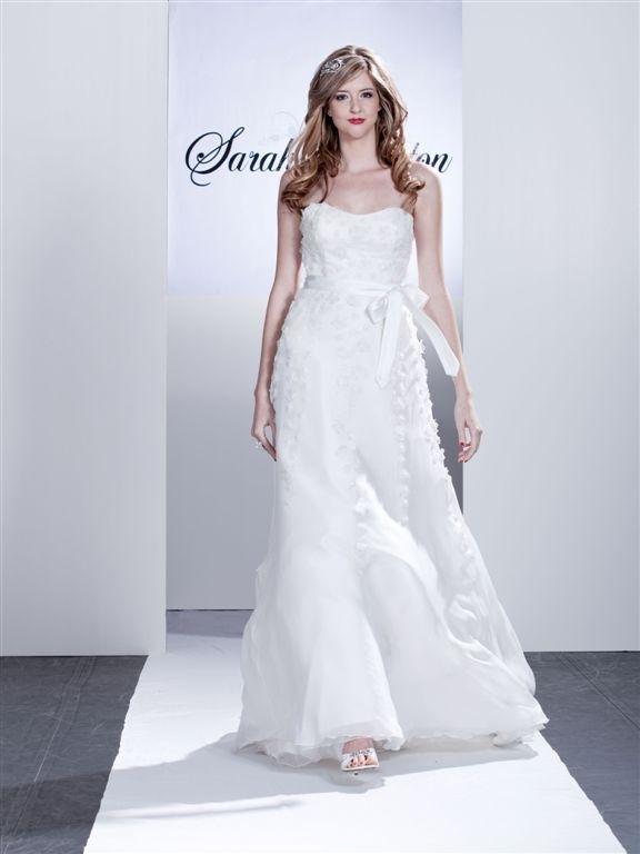 Alice-white-strapless-wedding-dress-floral-applique-ribbon-at-natural-waist-tulle-skirt.full