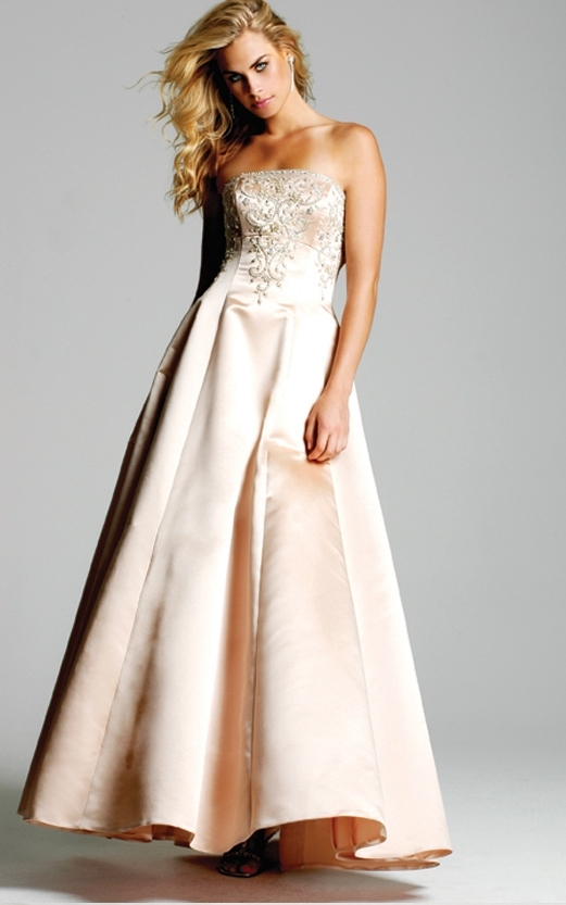 photo of 5900 Dress