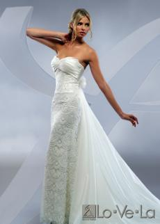 Lo-ve-la-wedding-dress-gallery-white-strapless-lace-wedding-dress-sweetheart-resized.full