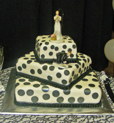 White-black-polka-dot-three-tier-wedding-cake-fun-cute.full