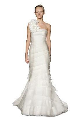 Vera-wang-wedding-dress-luxe.full