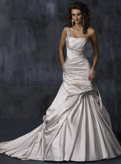 photo of Maggie Sottero Bridal