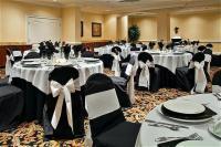 1083502-21884674-ballroom.full