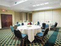 1082741-14834427-ballroom.full