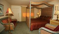 1081743-21785707-guest-room.full