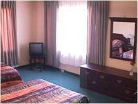 1094339-24773128-guest-room.full