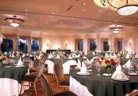 1072723-20682964-ballroom.full