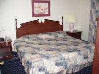 1094838-24669455-guest-room.full