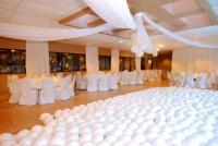 1052051-12395999-ballroom.full