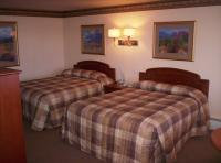 1095275-24671317-guest-room.full