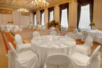 1085917-20283251-ballroom.full