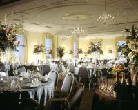1066569-23499461-ballroom.full
