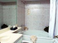 1094986-12420239-guest-room.full