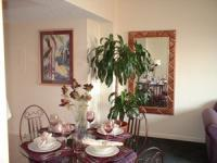 1093943-24642698-guest-room.full