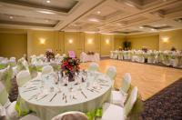 1081728-17454291-ballroom.full