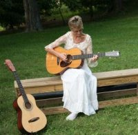 photo of Susan Savia, Versatile Singer-Guitarist