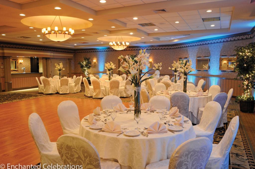94 Wedding Venues Windsor Back Of Hotel Windsor Vero Beach Wedding Reception By Pool