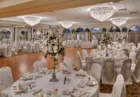 Versailles_Ballroom_2_with_Cream_Napkins_for_web_-_Imagic.jpg
