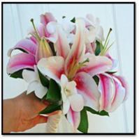 Stargazer_lily_bouquet.full