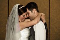 Bride_and_groom_first_dance-136_.jpg