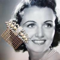 Ohfaro_vintage_rhinestone_pearl_jewelry_hair_comb_wedding_bridal.full