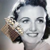 OhFaro_Vintage_Rhinestone_Pearl_Jewelry_Hair_Comb_Wedding_Bridal.jpg