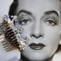 Ohfaro_rhinestone_wedding_hair_comb_bridal_accessory.full
