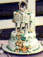 10521_mikateys-wedding-cake.full
