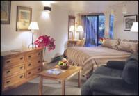 1093944-24645161-guest-room.full