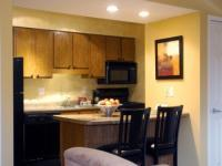 1095602-18457077-guest-room.full
