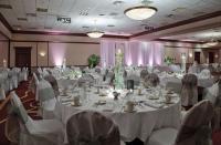 1050319-21986999-ballroom.full