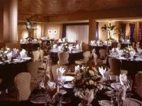1066513-12475931-ballroom.full